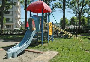 若葉公園 すべり台